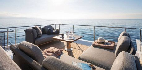 Benefits of renting a luxury yacht